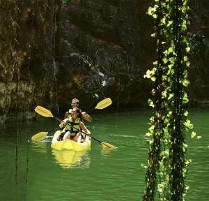 Xenotes kayak 1