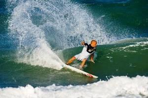 Slater Surfing