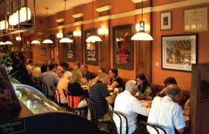 Diners at Bistro de Leon  (photo courtesy of FloridasHistoricCoast.com)